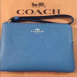 Leather Corner Zip Wristlet